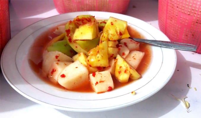 36 Makanan Khas Sunda Paling Terkenal Enak & Unik Makanan