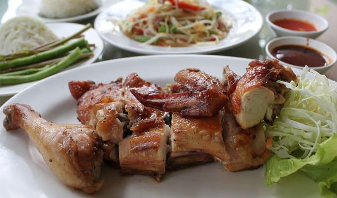 18 Makanan Khas Thailand yang Terkenal Paling Enak Makanan Khas Indonesia A-Z