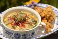 23 Makanan Khas Manado yang Terkenal Enak & Halal Makanan