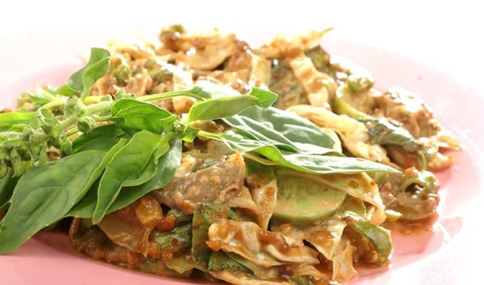 36 Makanan Khas Jawa Barat yang Paling Terkenal Makanan