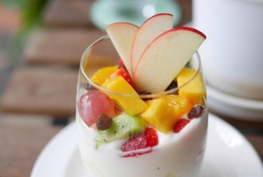 Salad Buah Yoghurt