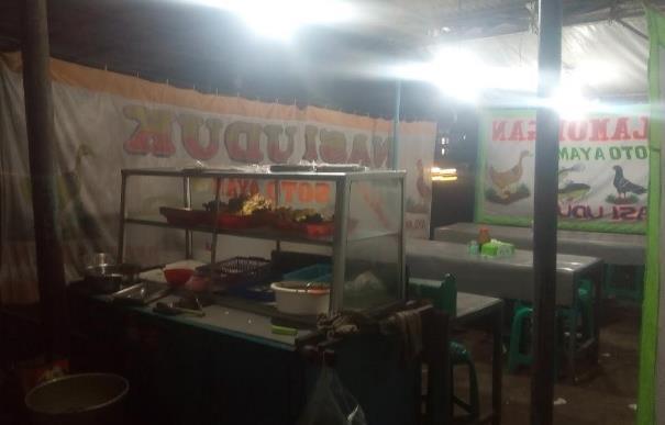 Kedai Makan Pecel Lele Edi Sutomo cirebon